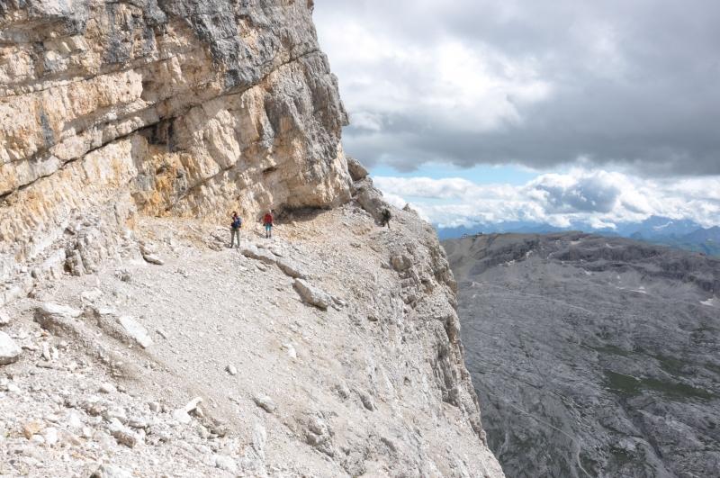 14 traverz steny nezaistenou sutinou v cca 2700m n.m