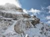 37 neistenā zvislā stienky vrcholovej pyram°dy s£ bez maüiek po noünom sneßen° nepriechodnā